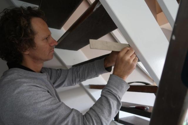 leren trapbekleding open trap monteren